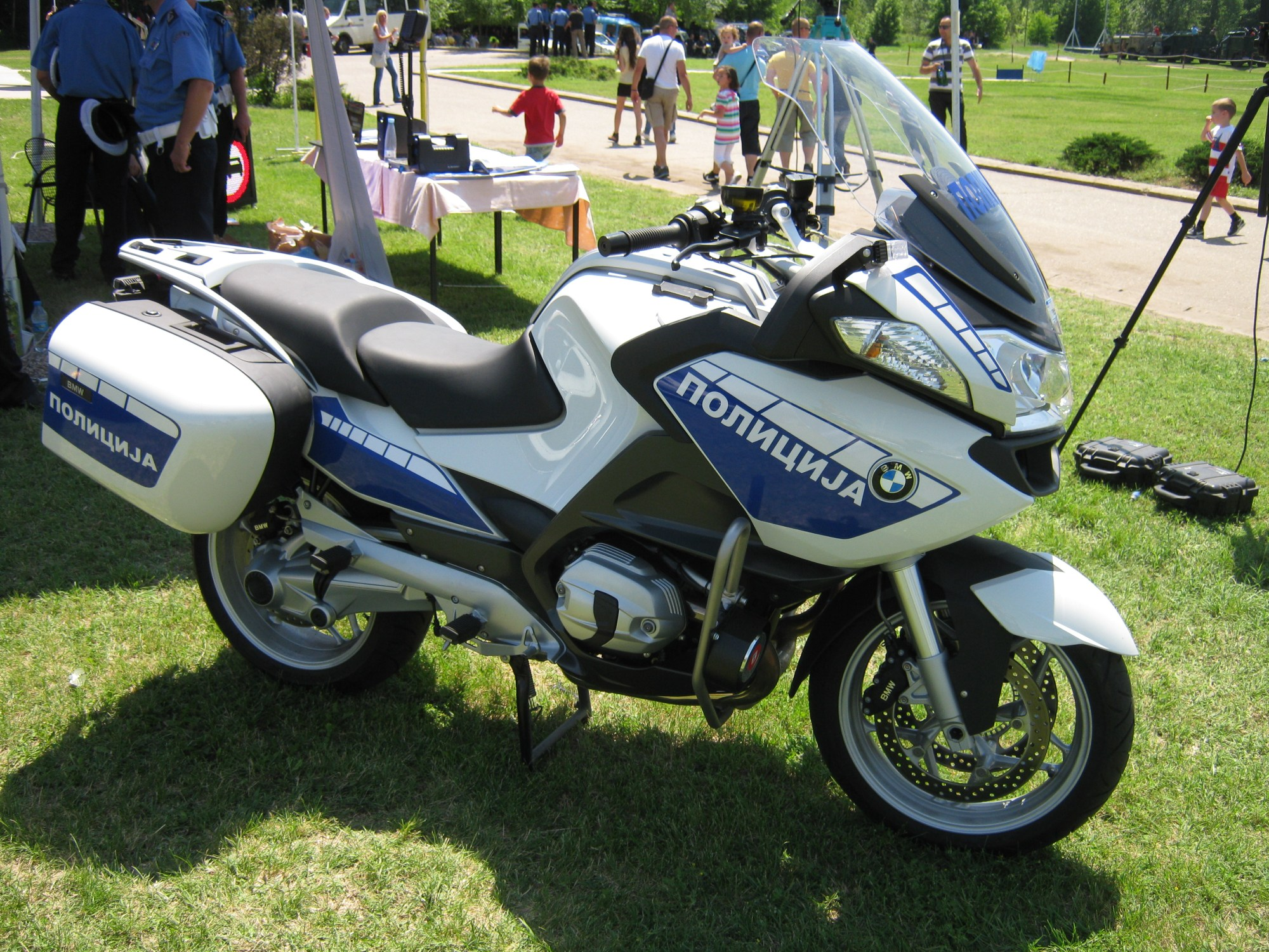 hight resolution of file bmw motorcycle police jpg