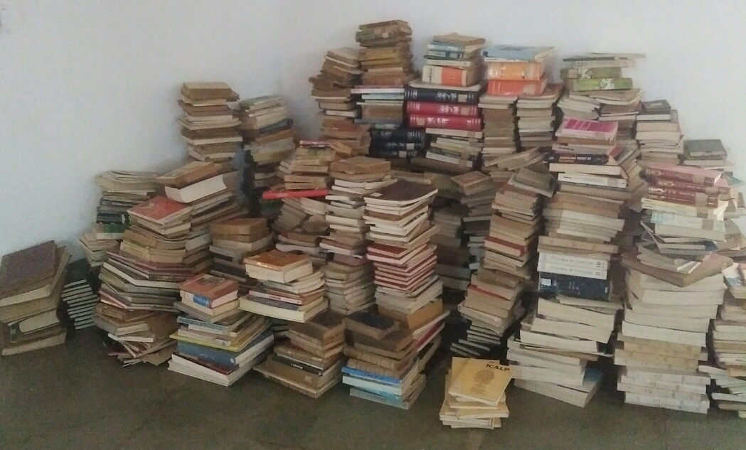 file bulk of books