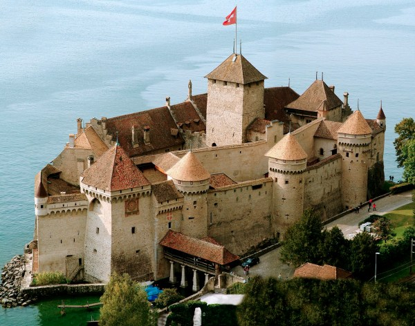 Chateau De Chillon - Best Places in Switzerland