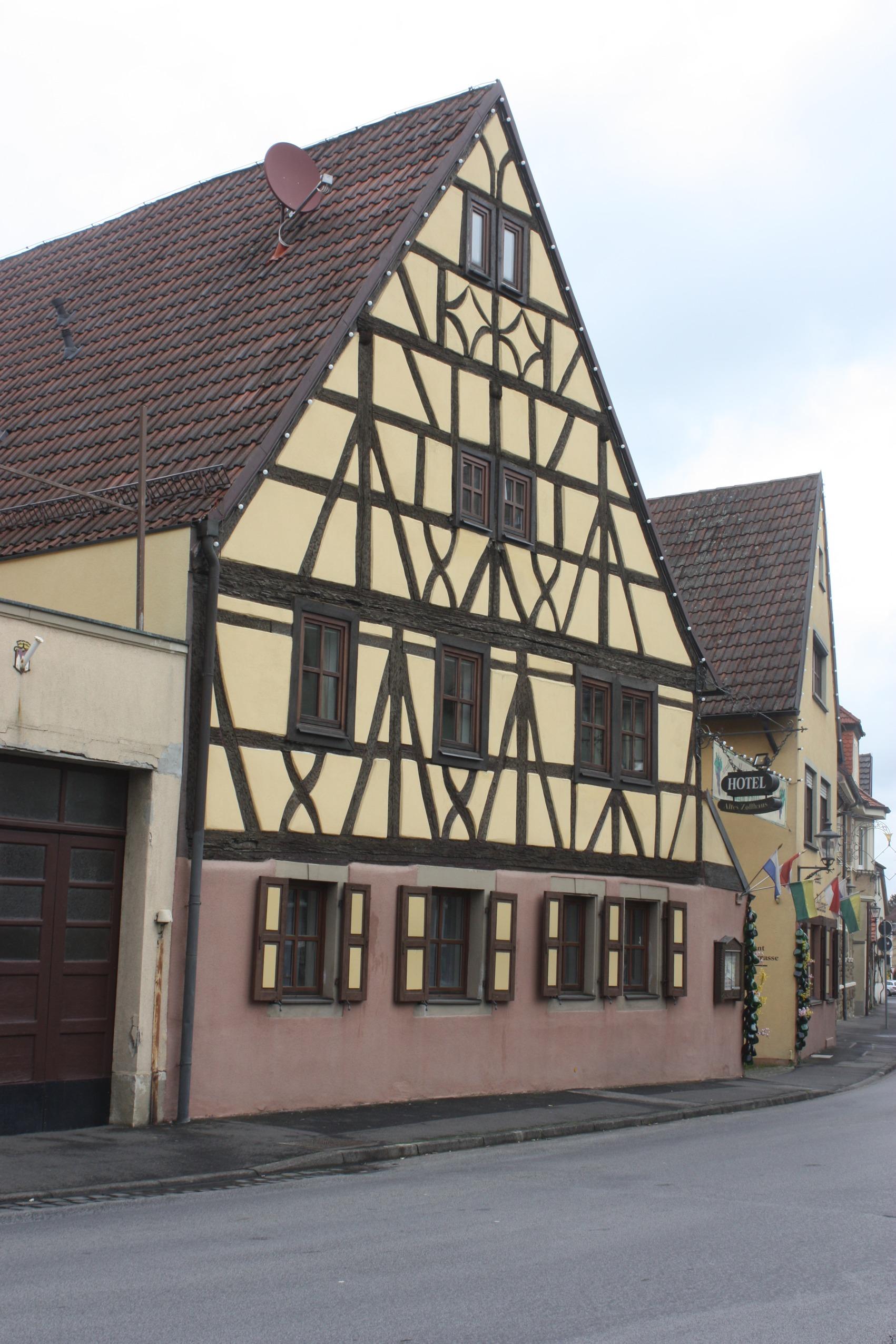 File Gerolzhofen Das Hotel Altes Zollhaus Jpg Wikimedia