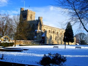 File:Priory Church of St Peter, in Dunstable, Bedfordshire.jpg