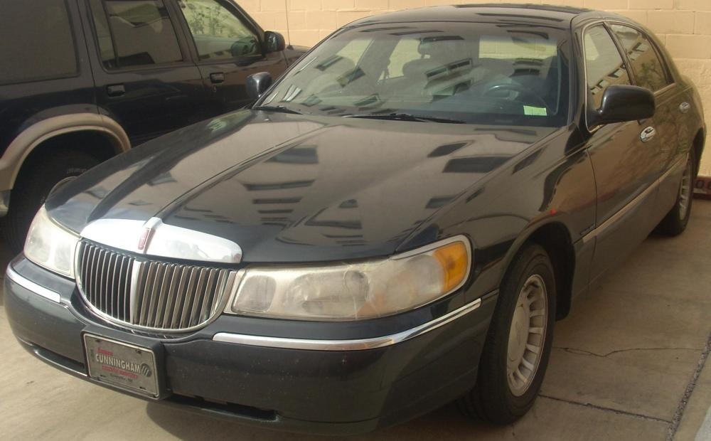 medium resolution of file 98 02 lincoln town