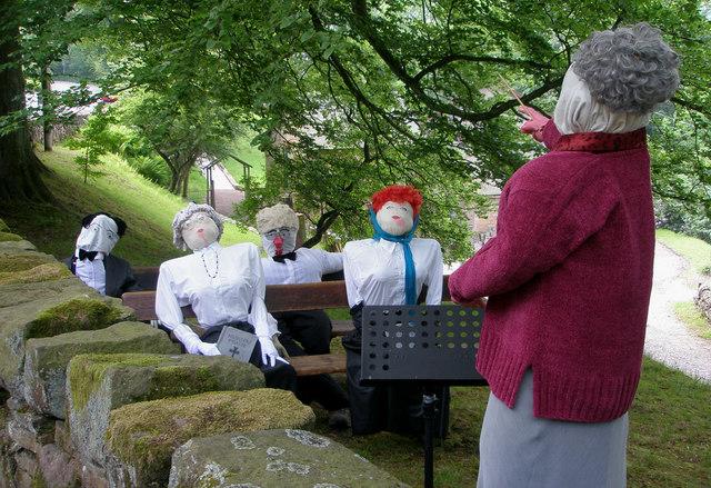 English: Danebridge Church Choir singing al fresco