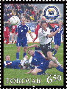Estampilla conmemorativa de las Islas Feroe por los 100 años de la FIFA.