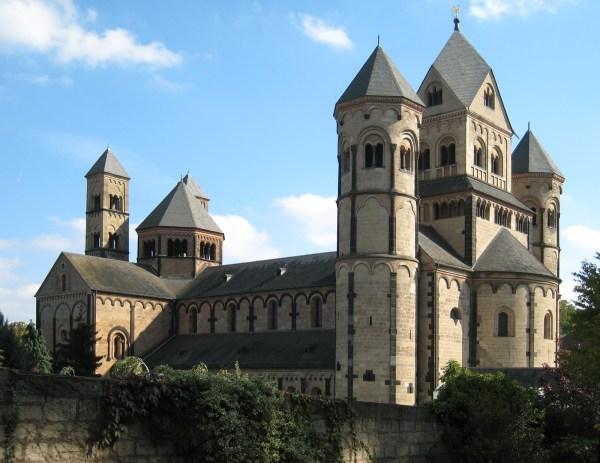 Romanesque Architecture - Wikipedia