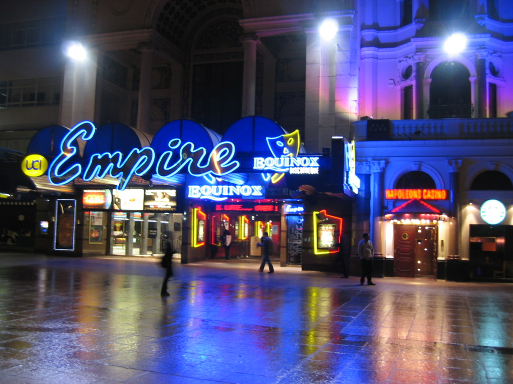 https://i0.wp.com/upload.wikimedia.org/wikipedia/commons/9/95/Empire_at_Leicester_Square_London.jpg