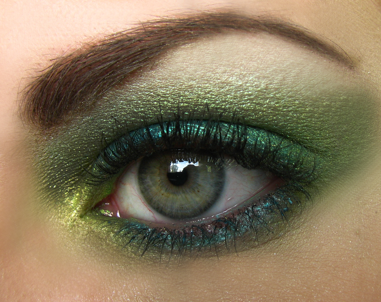 Shine Beauty Beacon: St. Patrick's Day Eyes & Nails