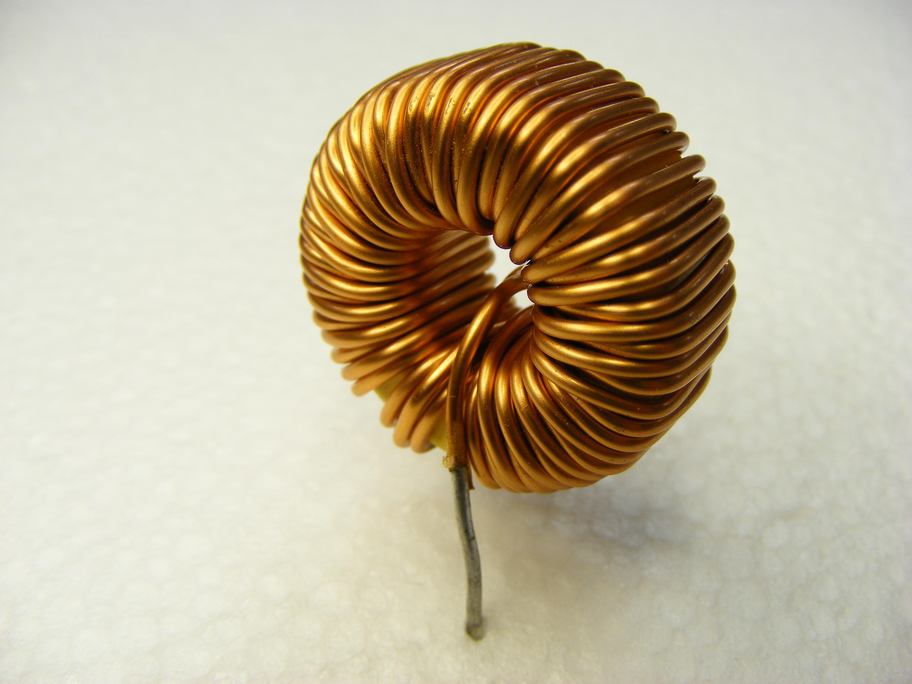 File:Toroidal inductor.jpg - Wikimedia Commons