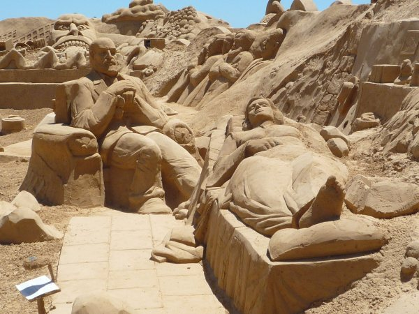 Lightning Sand Sculptures