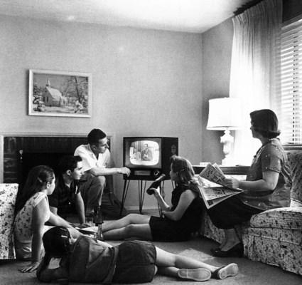 De eerste nederlandse televisieuitzending