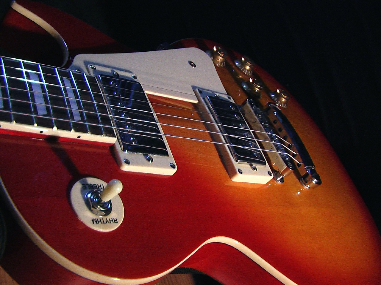 hight resolution of guitar manufacturing