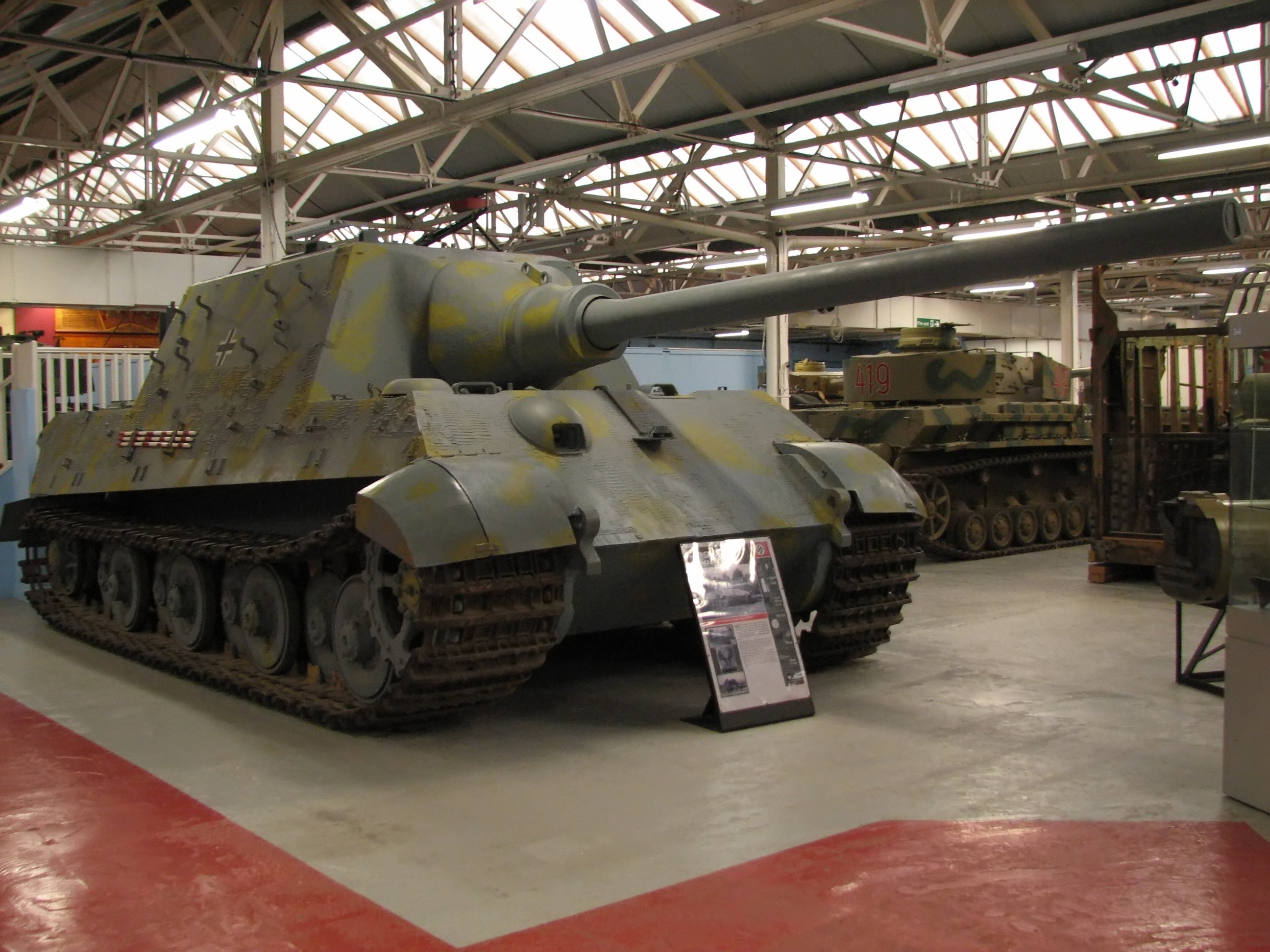 Panzerjäger Tiger Ausf. B: 71.7 tonnes, yes we can!