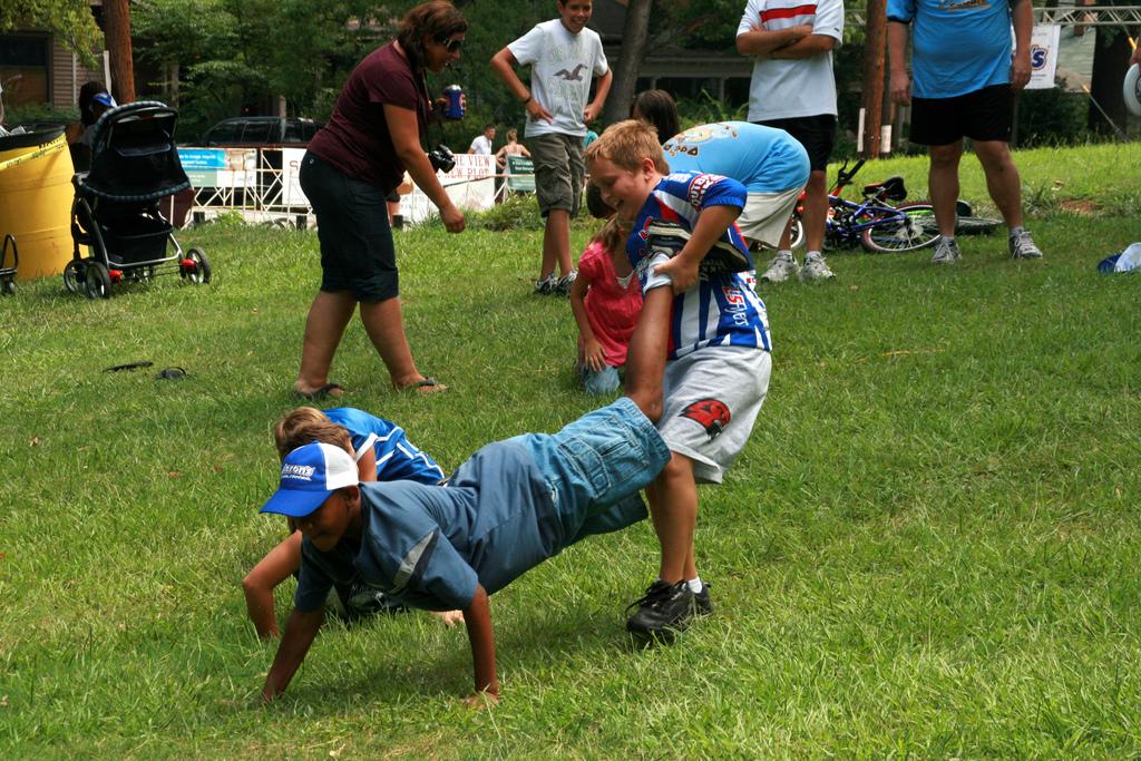 wheelbarrow race wiktionary