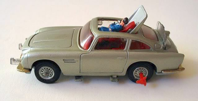 File:1964 Corgi Aston Martin DB5.jpg