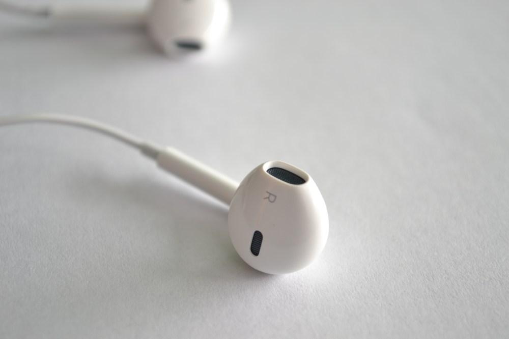 medium resolution of apple headphone stereo wiring