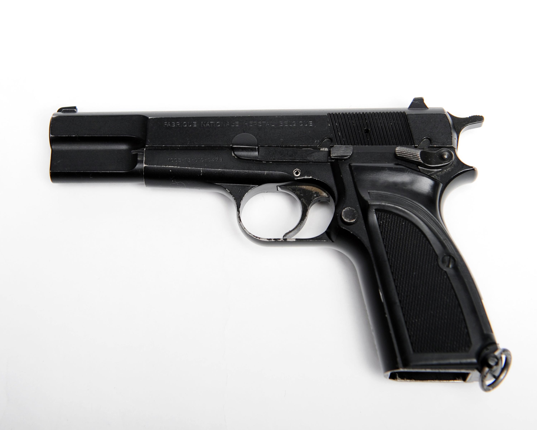 picha browning 9mm pistol