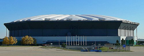 https://i0.wp.com/upload.wikimedia.org/wikipedia/commons/9/9b/Silverdome_2.jpg