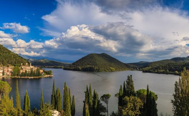 File Lago Di Piediluco Panoramica Jpg Wikimedia Commons