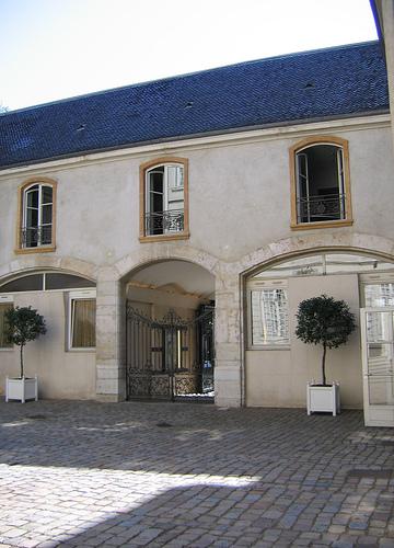 Musée Des Arts Décoratifs Lyon : musée, décoratifs, File:Musee-arts-decoratifs-lyon-france-cour-interieure.jpg, Wikimedia, Commons