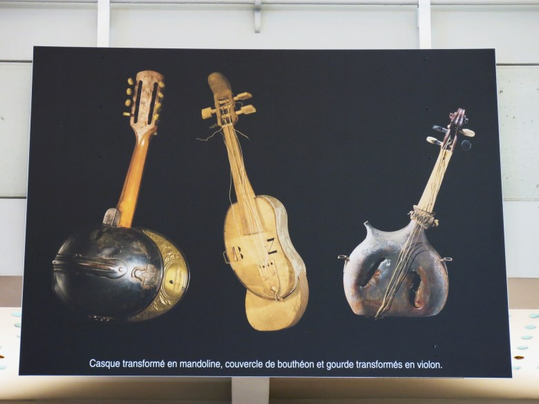 file:temporary exhibition about wwi, gare de paris-est, 2014 (music