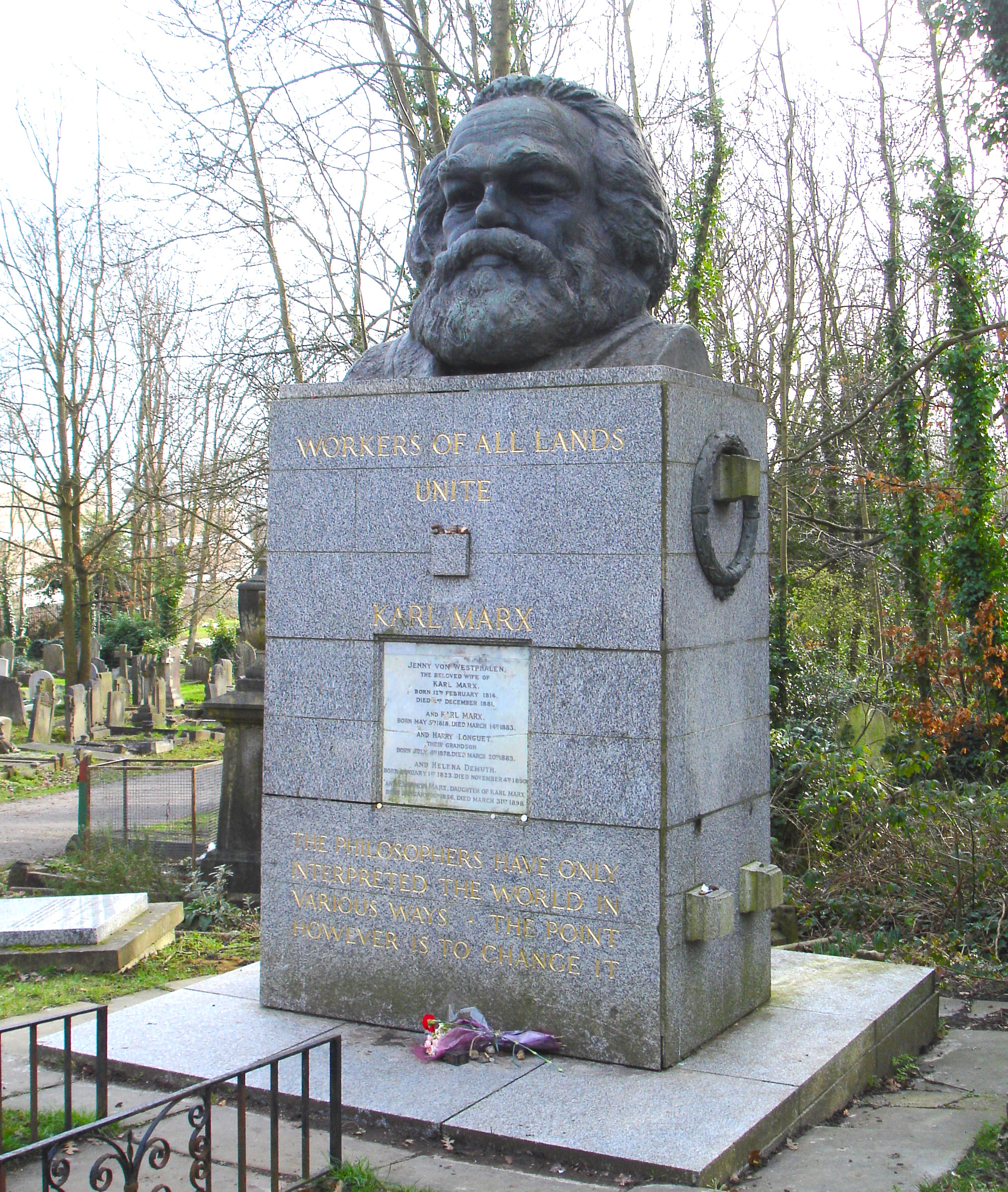 https://i0.wp.com/upload.wikimedia.org/wikipedia/commons/9/9d/KarlMarx_Tomb.JPG