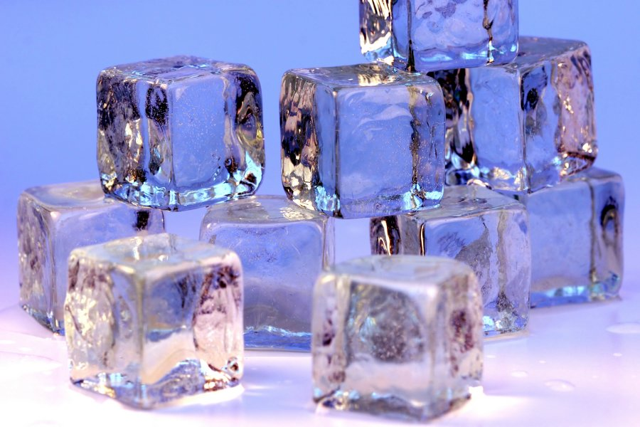 picture of ice cubes