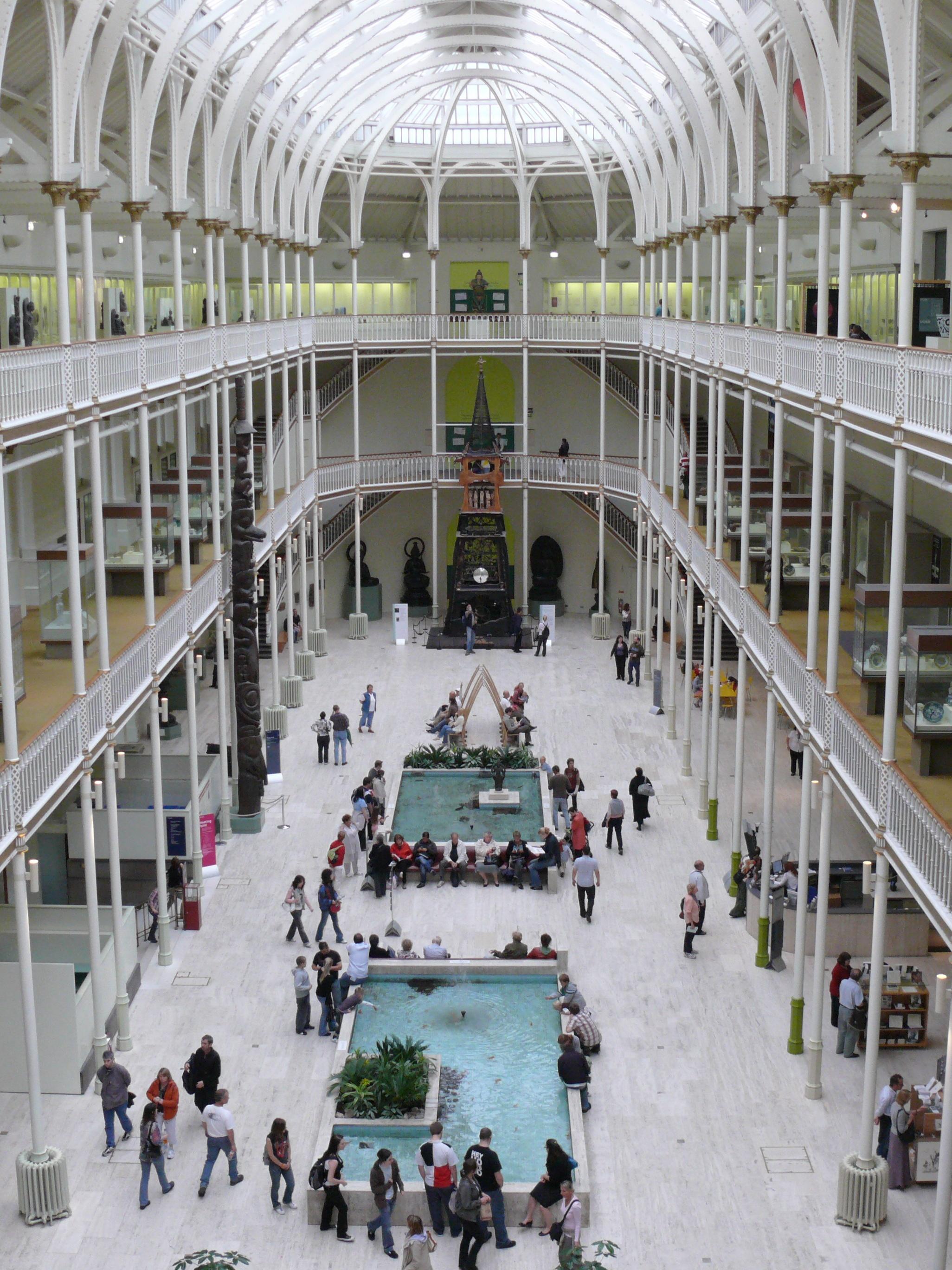 FileRoyal Museum Edinburgh main halljpg  Wikimedia Commons