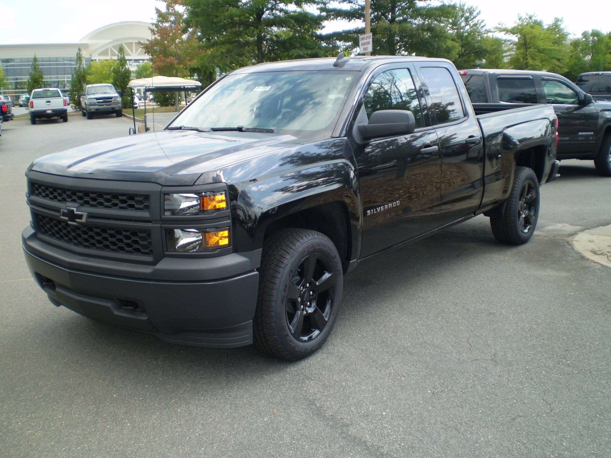 hight resolution of file 2015 chevrolet silverado wt double cab standard bed black out edition observe jpg