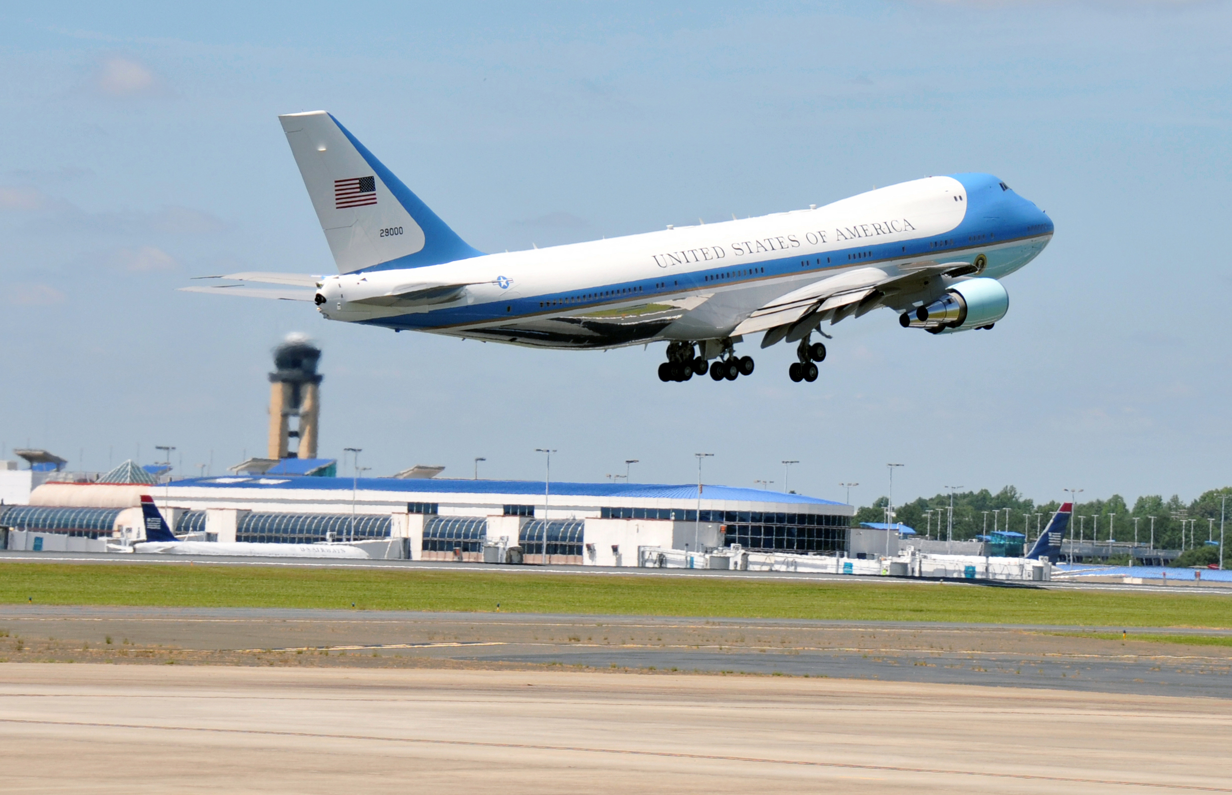 File Air Force One Takes Off From The North Carolina Air National Guard Base At Charlotte