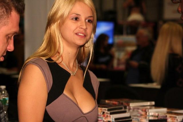 Filesara Sloane At Exxxotica Nj 2010 Jpg