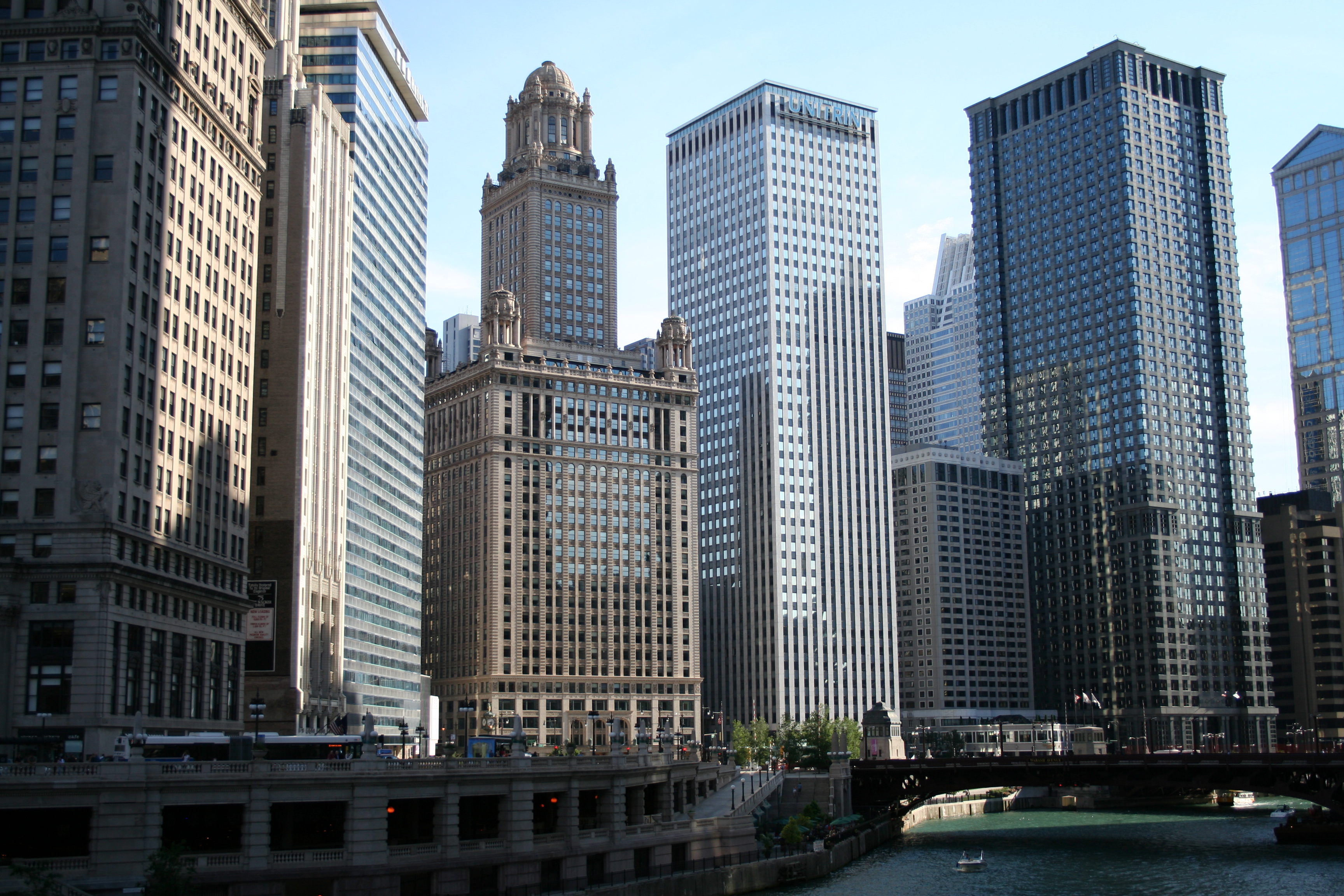 Top Hotel Deals Chicago Buildings