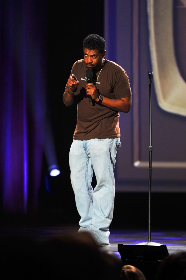File Deon Cole Performing Chocolate Sundaes Comedy Show 2011 8385567222 - Wikimedia