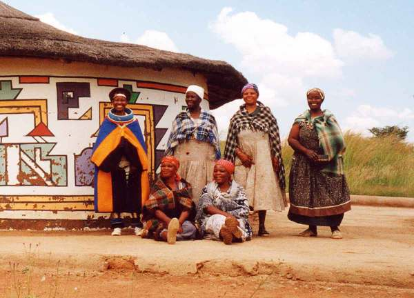 Ndebele House Painting - Wikipedia