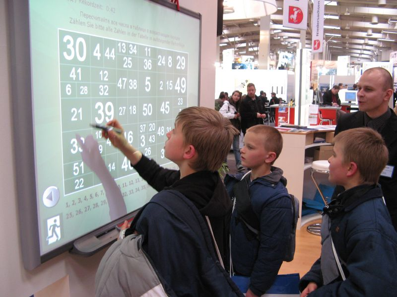 File:Interactive whiteboard at CeBIT 2007.jpg