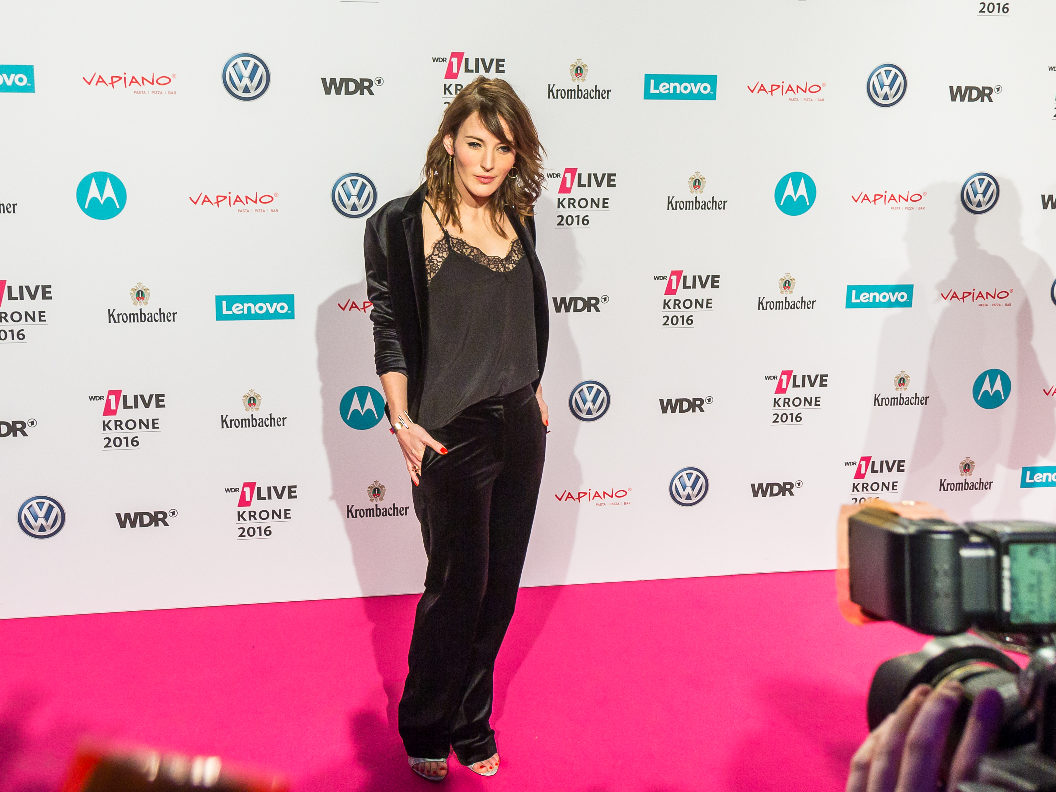 Roter Teppich Wallpaper File 1live Krone 2016 1700 Roter Teppich Jeannine Michaelsen