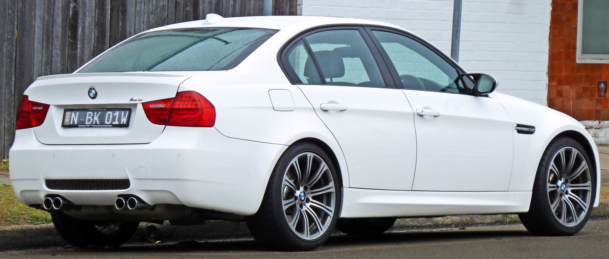 hight resolution of file 2008 2010 bmw m3 e90 sedan 05 jpg