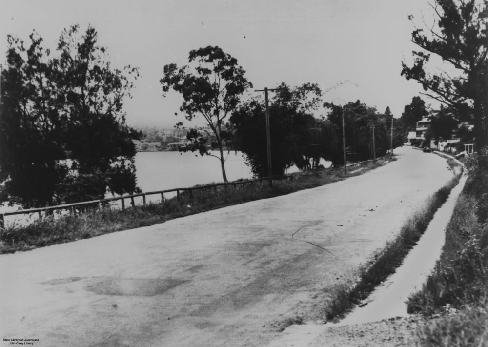 English: View of Coronation Drive, Toowong, Br...
