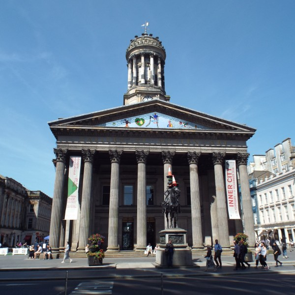 File Of Modern Art Glasgow Front View 2018-06