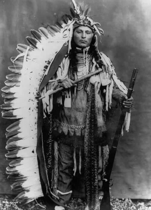 https://i0.wp.com/upload.wikimedia.org/wikipedia/commons/a/a4/Rattlesnake_Pete_-_Umatilla_Indian_Reservation_-_Oregon.jpg