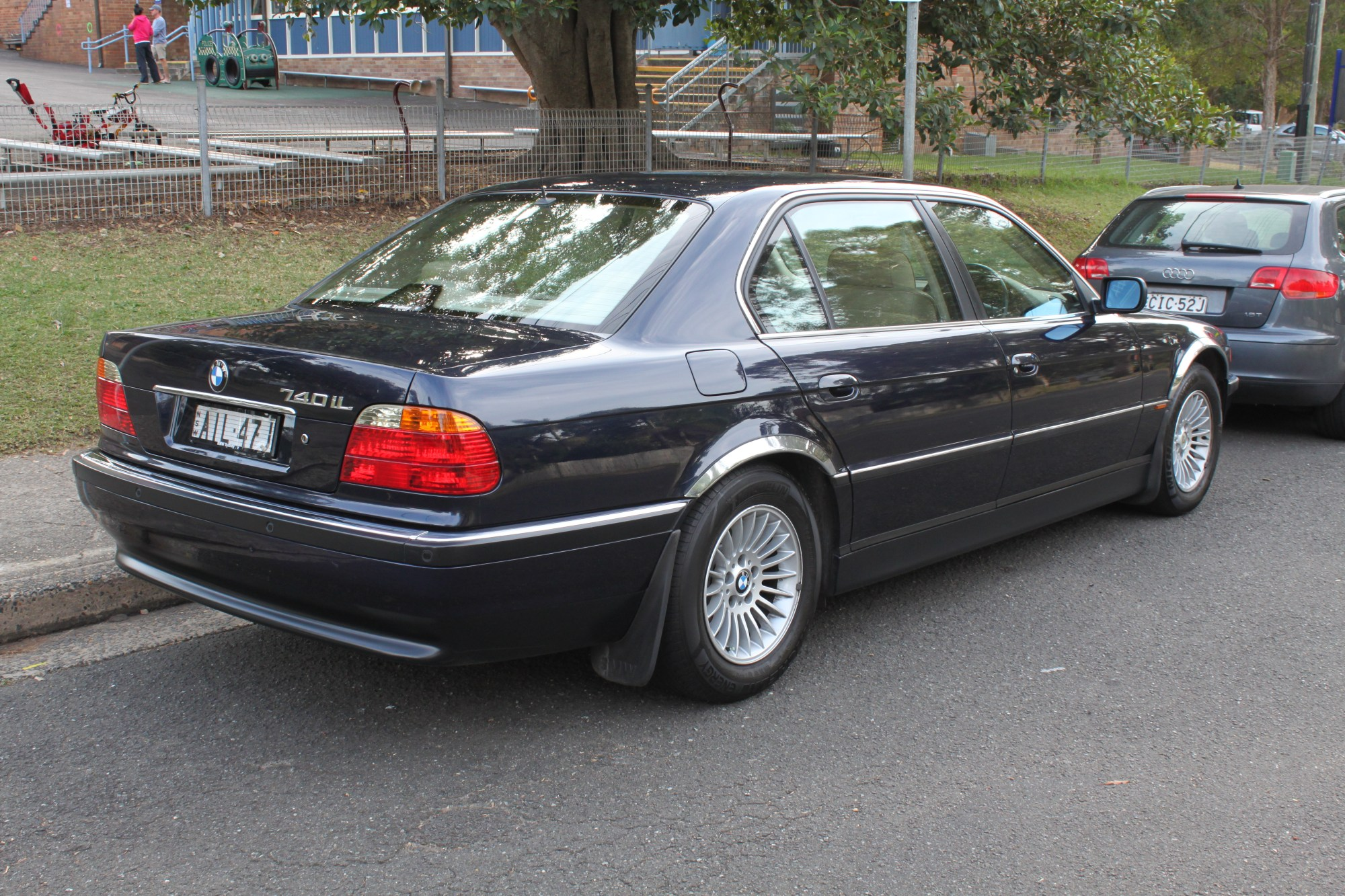 hight resolution of file 2000 bmw 740il e38 sedan 27204434416 jpg