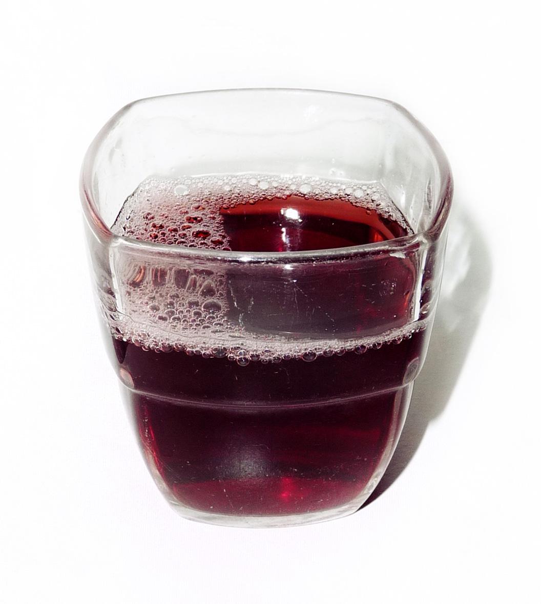 File:Glass of grape juice.jpeg - Wikimedia Commons