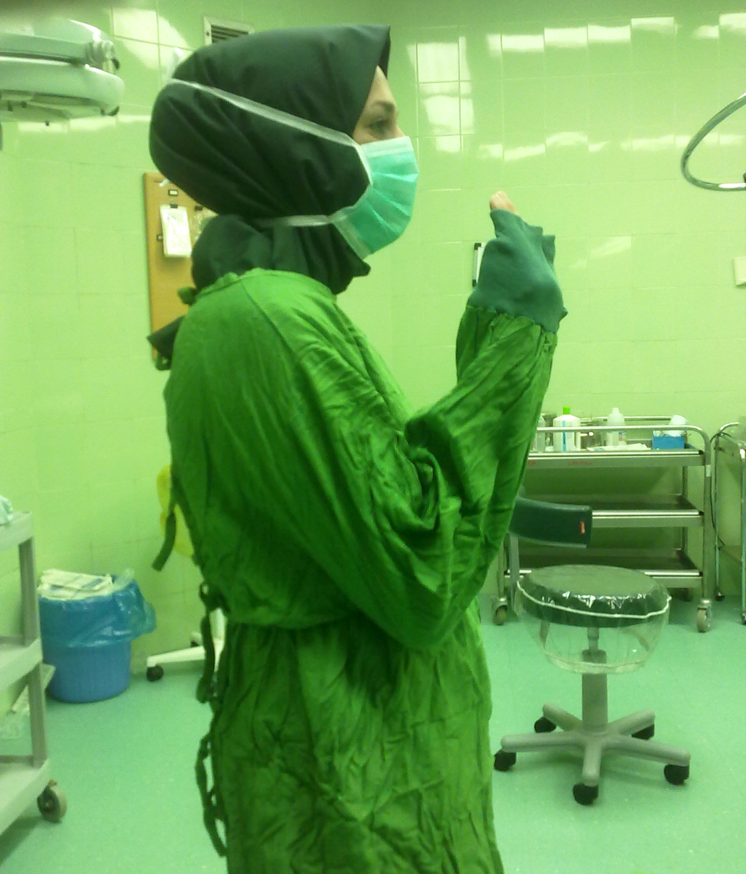 The number of times i've said, just wiki it is ridiculous. File Iranian Surgical Technologist With Hijab 02 Jpg Wikipedia