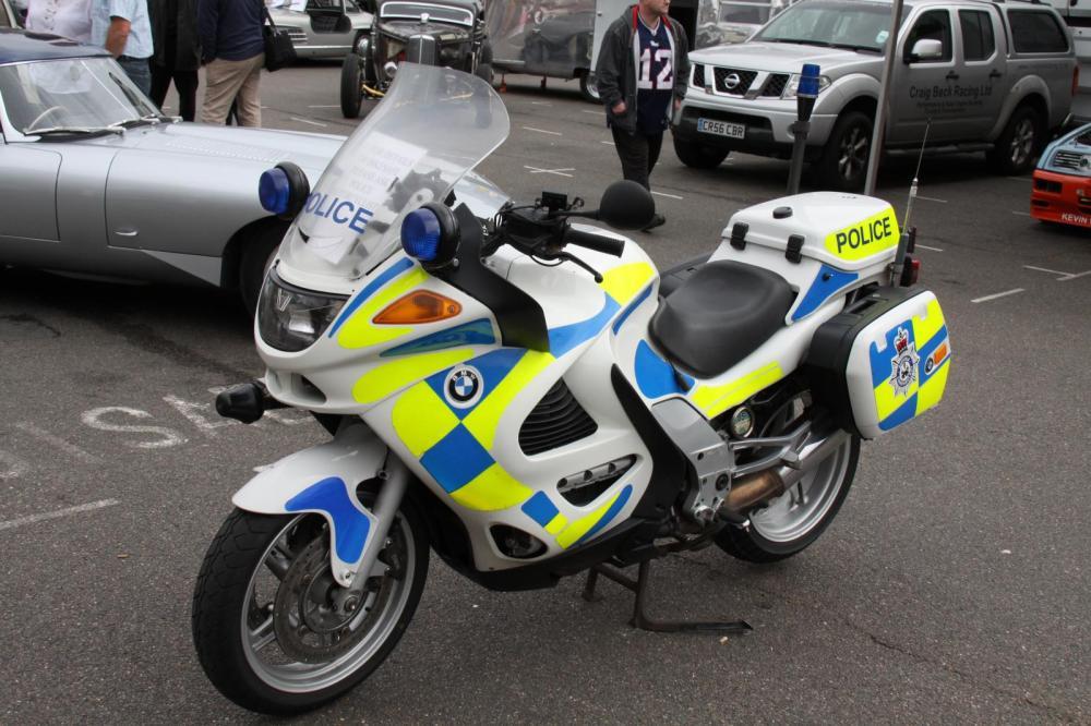 medium resolution of file bmw k1200rs police motorcycle bury st edmunds 17 07 11 jpg