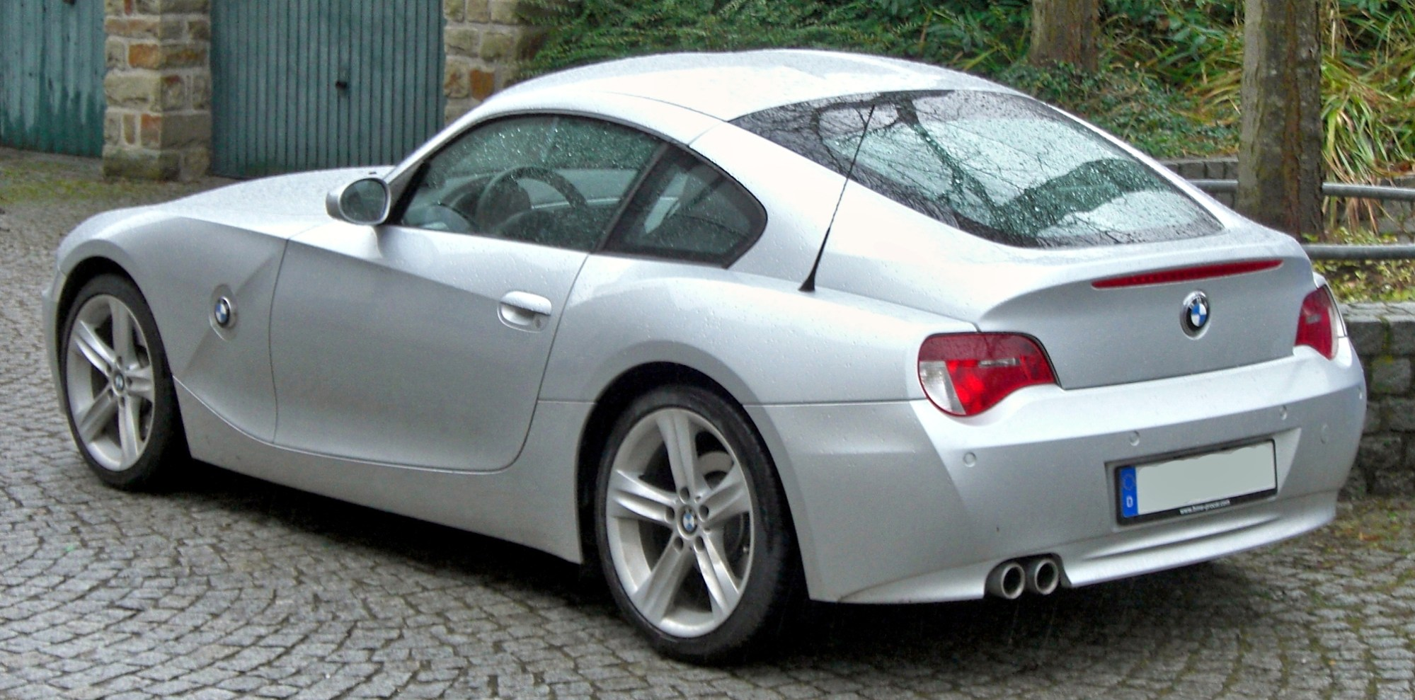 hight resolution of z4 coup rear