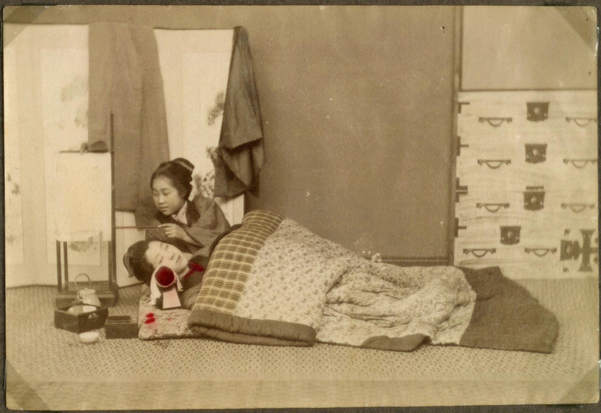 https commons wikimedia org wiki file makura e2 80 9dthe wooden pillow e2 80 9d two women lying in the e2 80 9dbed e2 80 9d japan 10797049673 jpg