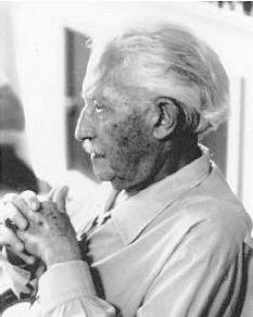 English: Erik Erikson Česky: Německý psycholog...