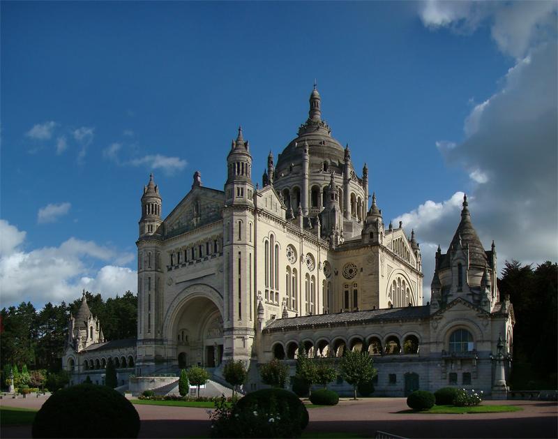 Basilique SainteThrse de Lisieux  Wikipdia