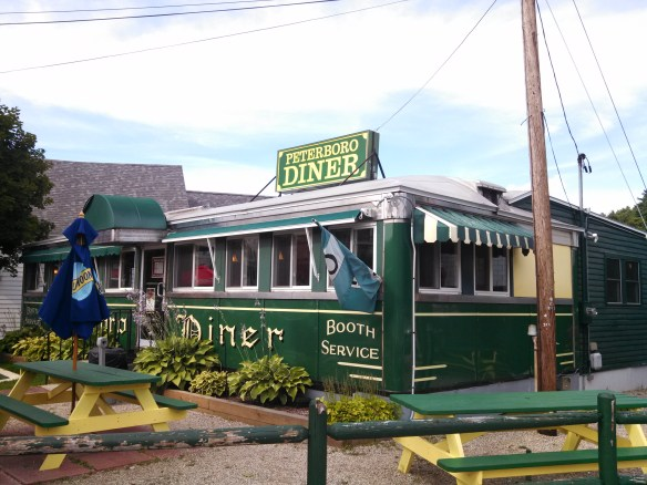 https://i0.wp.com/upload.wikimedia.org/wikipedia/commons/a/a8/Peterboro_Diner,_Peterborough_NH.jpg?resize=584%2C438