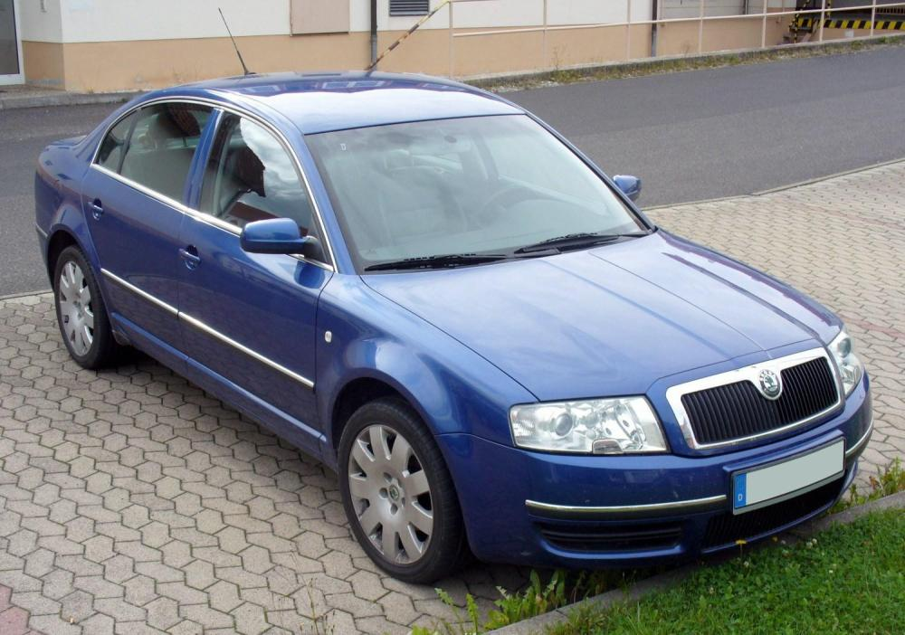 medium resolution of file skoda superb blau jpg