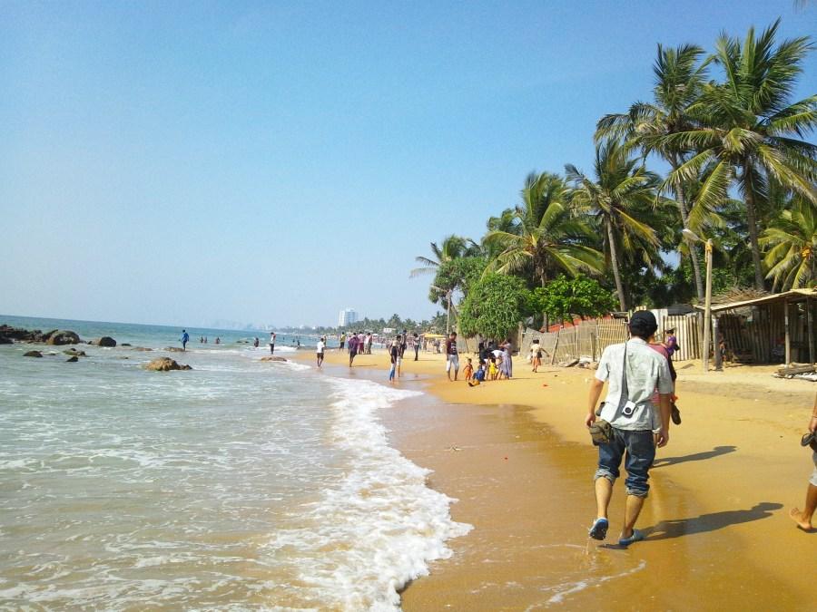 mount-lavinia-beach-dehiwala-mount